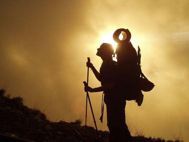 trekking-245311_640-compressor